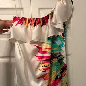 White one-shouldered top with colorful burst, Med